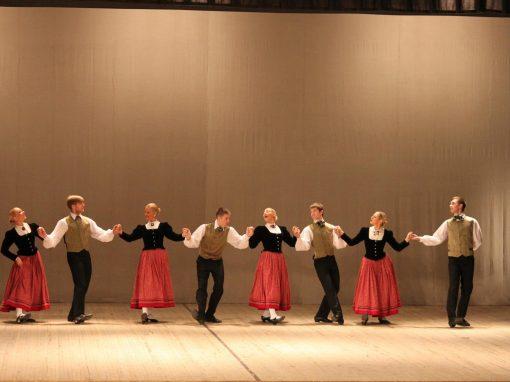 Jaunrades tautas deju konkurss Valmierā 2013