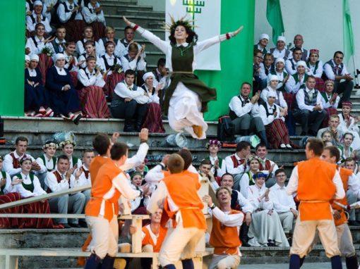"""VIII Starptautiskais tautas deju festivāls – konkurss """"Sudmaliņas"""" 2016"""